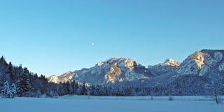 Góry i lasy w Allgäu podczas zimy Fotografia Royalty Free