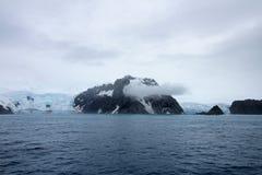 Góry i lodowiec, Antarktyczny krajobraz Obrazy Royalty Free