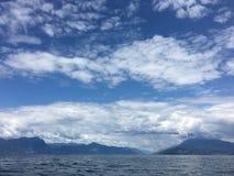 Góry i morze Fotografia Royalty Free