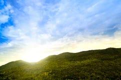 Góry i nieba chmurny krajobraz przy Chiang mai okręgu tha Obraz Royalty Free
