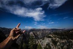 Góry i niebieskie niebo w usa parkach narodowych obrazy royalty free