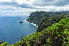 Góry i ocean na północnym Atlantyk suną blisko Boaventura, madera zdjęcie stock