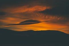 Góry i pole Zdjęcie Stock