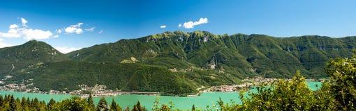 góry jeziorna panorama obrazy stock