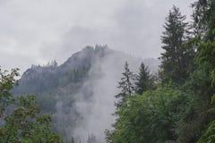 Góry krajobraz i mgła Fotografia Royalty Free