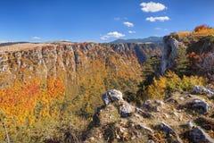 Góry krajobrazowa scena w chowanym jarze Susica przy Montenegro obrazy royalty free