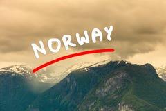 Góry kształtują teren w Norwegia Zdjęcia Royalty Free