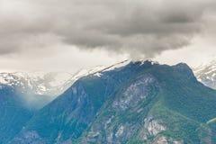 Góry kształtują teren w Norwegia Obrazy Royalty Free