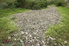 Góry który jedzą istoty ludzkie śmieci i urlop są wypiętrzają w górę zdjęcia royalty free
