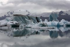 Góry lodowa na lodowiec lagunie Jokulsarlon Zdjęcie Royalty Free