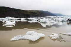 Góry lodowa w Fjallsarlon gleczeru lagunie Zdjęcie Royalty Free