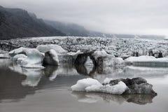 Góry lodowa w Fjallsarlon gleczeru lagunie Zdjęcie Stock