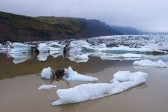 Góry lodowa w Fjallsarlon gleczeru lagunie Zdjęcia Royalty Free