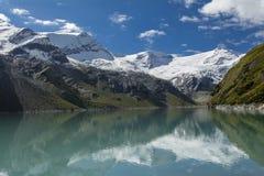 Góry nad Mooserboden jezioro Zdjęcie Royalty Free