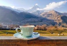 Góry, śnieg, georgian, niebo, zima, Kazbek, kawa obrazy royalty free
