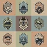Góry odznaka set1color1 royalty ilustracja