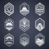 Góry odznaka set1white royalty ilustracja