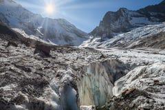 Góry, podróż, natura, jeziora, piękny miejsce, lodowiec obrazy royalty free
