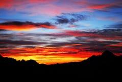 góry przez zachodem słońca obraz royalty free