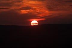 góry przez zachodem słońca Zdjęcia Royalty Free