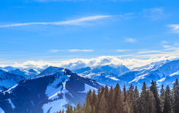 góry snow zima Ośrodek narciarski Brixen im Thalef Zdjęcie Stock