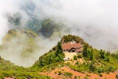 Góry w chmurach Obrazy Stock