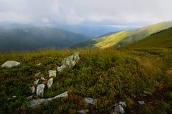 Góry z mechatymi skałami Fotografia Royalty Free