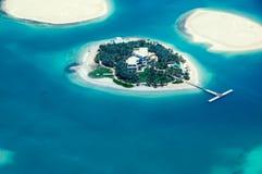 Gömma i handflatan ön i dubai royaltyfria foton