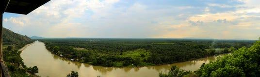 Gömma i handflatan den olje- bästa sikten för panorama kolonin Royaltyfria Foton