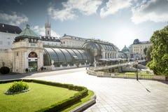 Gömma i handflatan huset i Wien Royaltyfri Bild