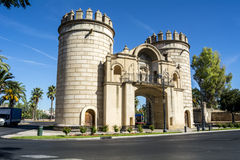 Gömma i handflatan porten, monumentkarusellen (Puerta de Palmas, Badajoz), Sp Royaltyfria Bilder