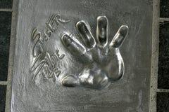 Gömma i handflatan trycket av Sylvester Stallone, den Holywood stjärnan i Cannes, Frankrike fotografering för bildbyråer