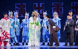 Gör alla den fantastiska aktrins- den historiska stilsången och dansa dramat magisk magi - Gan Po Arkivfoto