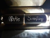 Gör något - och gör den vid Upcycling! royaltyfria foton
