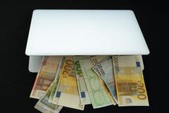 Gör pengar online- i påse Royaltyfri Fotografi