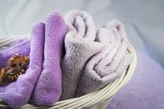 gör ren nya handdukar Arkivfoto