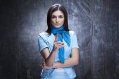 Göra en gest för affärskvinna Arkivfoto