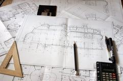 göra en skiss av konstruktion Arkivfoton