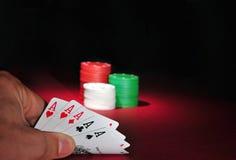 göra ett ess på poker för kasinochiper fem Arkivfoto
