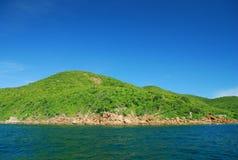 Göra grön kullen av den Larn ön Royaltyfri Bild
