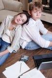 göra kurstonåringar deras trött två arkivfoton