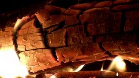 (Göra perfekt öglan), brännande jul Yule Log på brandcloseupen lager videofilmer