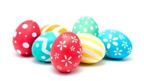 Göra perfekt färgrika handgjorda easter ägg som isoleras på en vit Royaltyfria Foton