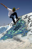 göra rampskateboardertrick Royaltyfria Foton