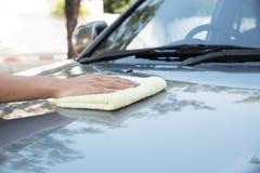 Göra ren bilen royaltyfria foton