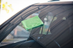 Göra ren bilen arkivbild