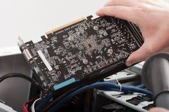 Göra ren videokortet för datoren royaltyfri bild
