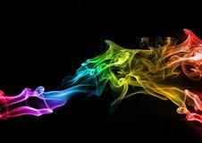 göra sammandrag färgglad rök Arkivbild