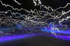 göra sammandrag ljusa trails Fotografering för Bildbyråer