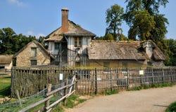 Göra till drottning Hamlet i parkera av den Versailles slotten Arkivbilder